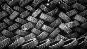The estimated 1.5 billion waste tires that are discarded each year worldwide can be used as feedstock in the production of low-carbon, low-sulfur fuel using Haldor Topsoe's HydroFlex™ technology
