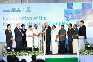 "Ceremonial ""Lighting of the Lamp"" for Air Products' new world-scale industrial gas complex in Kochi, India, by Dr. K.T. Jaleel, Minister for Local Self-Governments, Kerala, in the presence of Mr. P. Thilothaman, Minister for Food & Civil Supplies, Kerala; Dr. Samir J. Serhan, Air Products Executive Vice President; Mr. Richard Boocock, President, Industrial Gases–Middle East, India, Egypt and Turkey for Air Products; and other dignitaries and guests."
